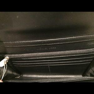 5e2c4d1b3c3917 MICHAEL Michael Kors Bags - NWT Michael Kors Natalie XL wallet on chain